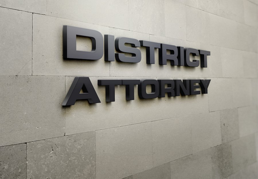 Exterior wall that says District Attorney