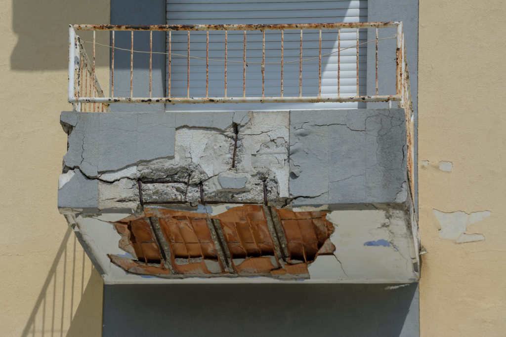 Balcony about to collapse